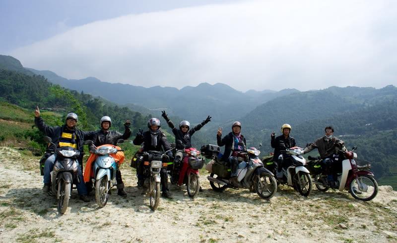 Phượt bằng xe máy