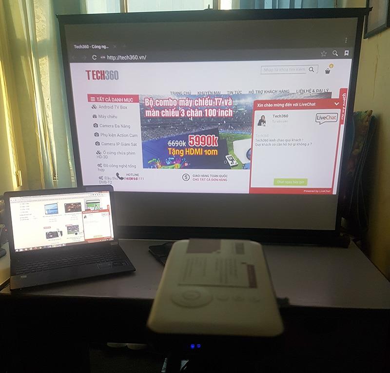 Combo máy chiếu mini M6 + Màn chiếu 50 inch để bàn