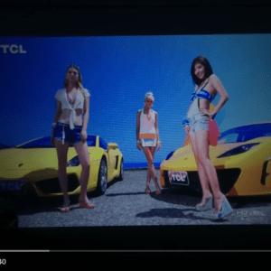 Máy chiếu mini giá rẻ UNIC UC40 chiếu thử file demo tivi TCL 4K