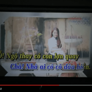 Máy chiếu Tyco T6 phát karaoke