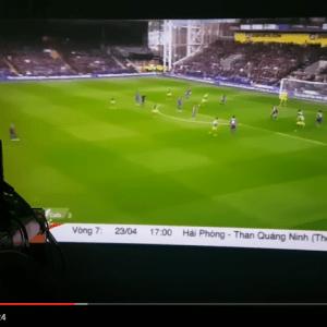 Máy chiếu Android Mini M6 xem bóng đá trên App Viet Mobi TV