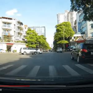 Camera hành trình giá rẻ, siêu nét GS90C trên phố Hà Nội
