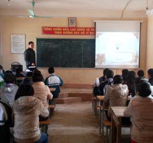 kinh nghiệm chọn máy chiếu cho trường học