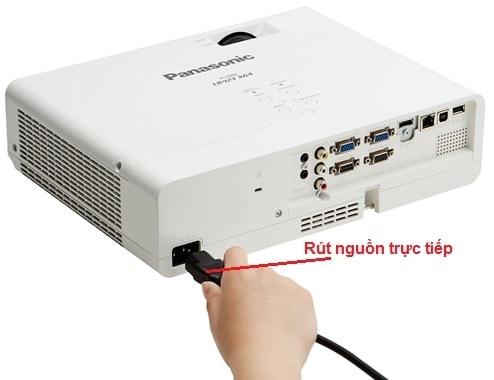 máy chiếu panasonic pt-lb835