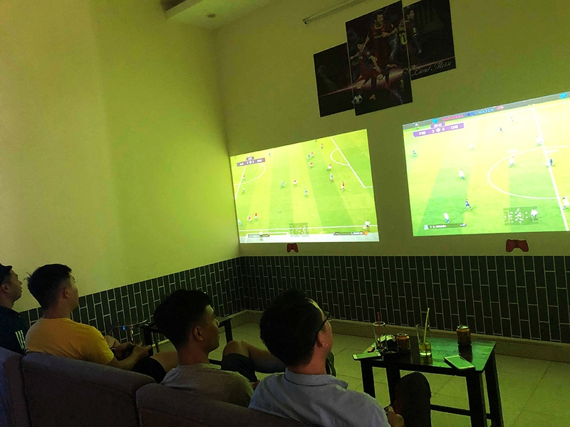 Máy chiếu chơi game